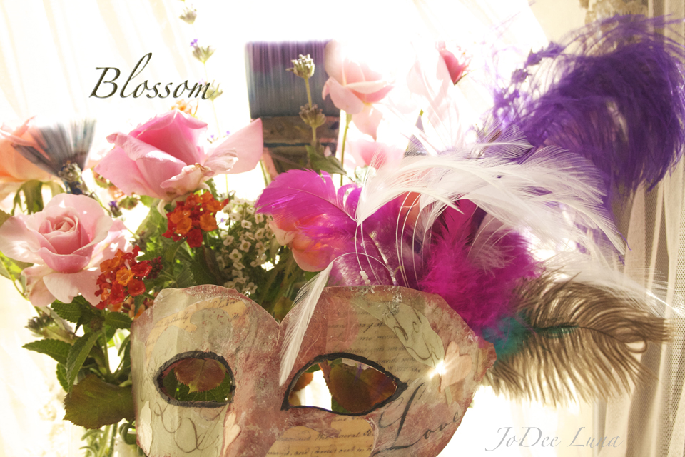 How To Decorate A Masquerade Mask With Mixed Media Refrain From Extraordinary How To Decorate A Mask