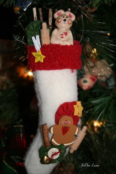 salt-dough-bear-in-chrismas-stocking